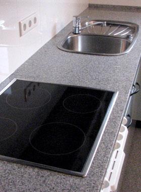naturstein dresden marmor arbeitsplatten treppen kamenz edles aus naturstein. Black Bedroom Furniture Sets. Home Design Ideas